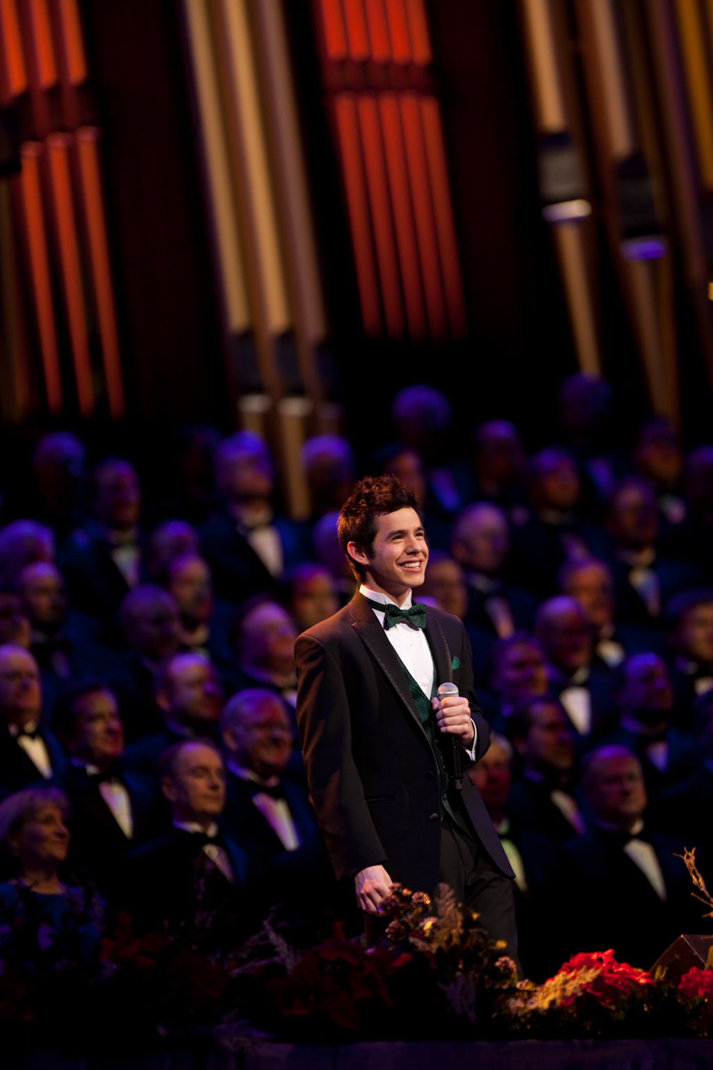 Christmas with the Mormon Tabernacle Choir & David on PBS today ...